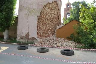 Разрушающийся мужской монастырь в Ельце